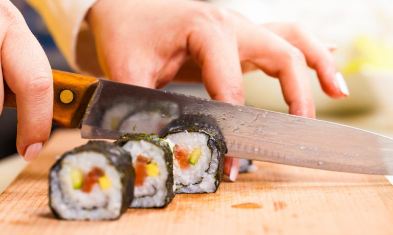 How to Cut Sushi