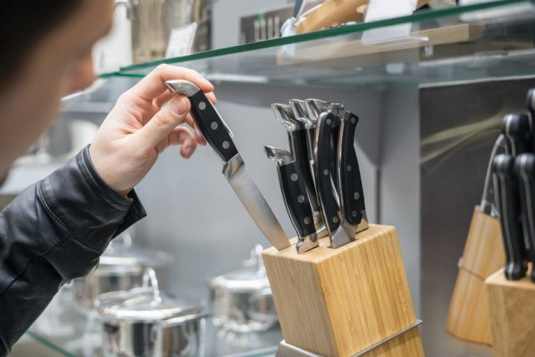 How to Store Steak Knives